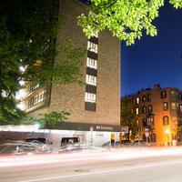 40 Berkeley Hostel Featured Image