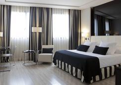 Maydrit Hotel - Madrid - Kamar Tidur
