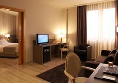 Hotel SB Ciutat de Tarragona - Tarragona - Kamar Tidur