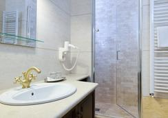 Hotel Castel Royal - Timisoara - Kamar Mandi