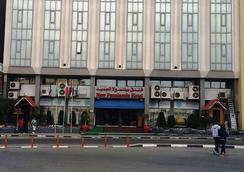 New Penninsula Hotel - Dubai - Pemandangan luar