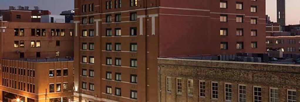 SpringHill Suites by Marriott Dallas Downtown-West End - Dallas - Building