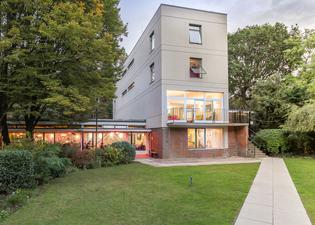 Safestay London Holland Park - Hostel