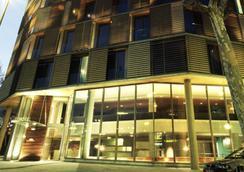 B Hotel - Barcelona - Bangunan