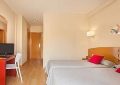 Hotel Rh Sol - Benidorm - Kamar Tidur