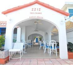 Tres Palmas Inn