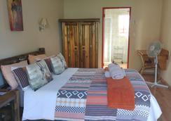 Journey's Inn Africa Guest Lodge - Johannesburg - Kamar Tidur