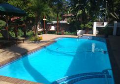 Journey's Inn Africa Guest Lodge - Johannesburg - Kolam