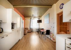 Ussuri-Hostel - Yekaterinburg - Ruang makan