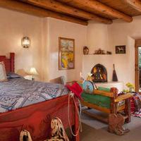 Bobcat Inn Bed and Breakfast Guestroom
