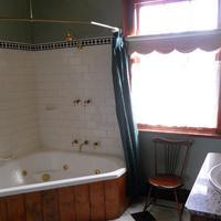 Sorell Barracks Bathroom