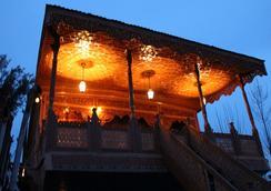 New Sherin Houseboats - Srinagar - Pemandangan luar