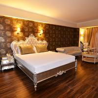 Azka Hotel Guestroom