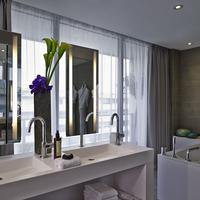 Pullman Paris Tour Eiffel Bathroom