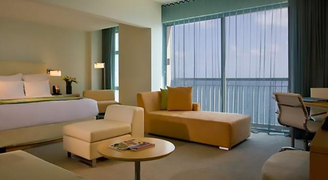 La Concha Renaissance San Juan Resort - San Juan - Bedroom