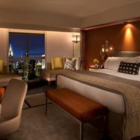 One Un New York Guest room