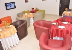 Double A Suites & Lounge - Lagos - Restoran