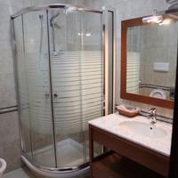 Dinasty Hotel Toilet