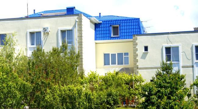 Golubaya Bukhta Guest House - Gelendzhik - Building