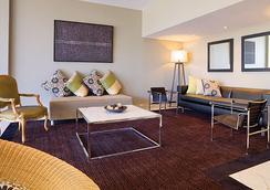 Adina Apartment Hotel Brisbane - Brisbane - Lounge
