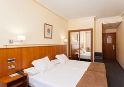 Hotel Ciudad De Compostela - Santiago de Compostela - Kamar Tidur