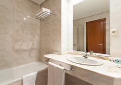 Hotel Ciudad De Compostela - Santiago de Compostela - Kamar Mandi
