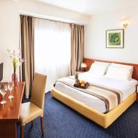 Plaza Hotel Deluxe Double Room