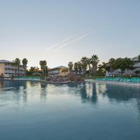 Portaventura Hotel Caribe - Theme Park Tickets Included Pool