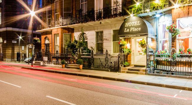 Hotel La Place - London - Building