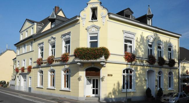 Hotel-restaurant Zur Post - Bonn - Building