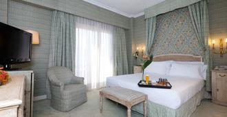 Hotel Praga - Madrid - Kamar Tidur