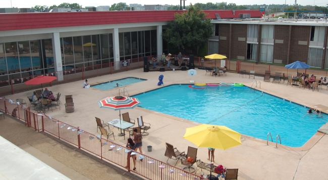 Ramada Oklahoma City Near Bricktown - Oklahoma City - Pool