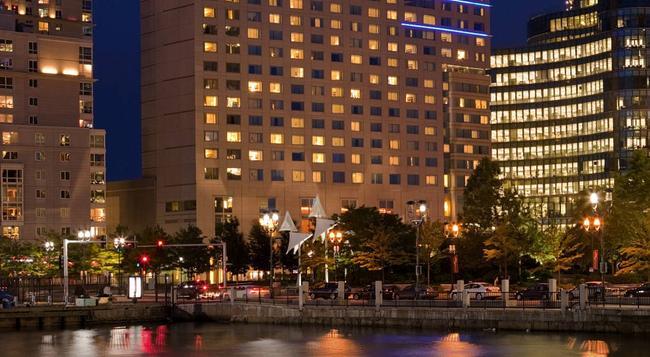 Renaissance Boston Waterfront Hotel - Boston - Building