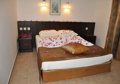 Kleopatra Celine Hotel - Alanya - Kamar Tidur
