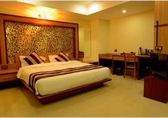 Hotel Bhargav Grand - Guwahati - Kamar Tidur