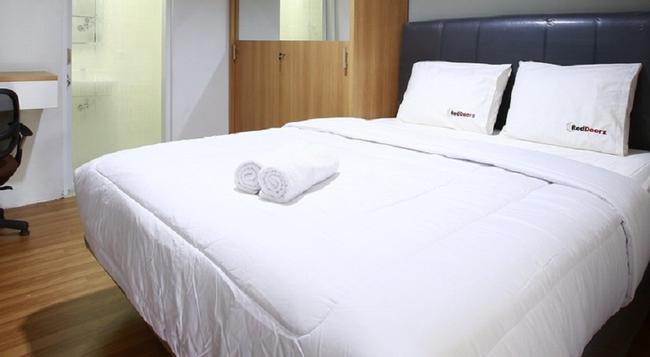 Reddoorz @ Cipete Utara - South Jakarta - Bedroom