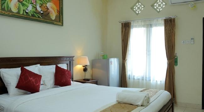 Reddoorz Nakula Sunset Road - Denpasar - Bedroom