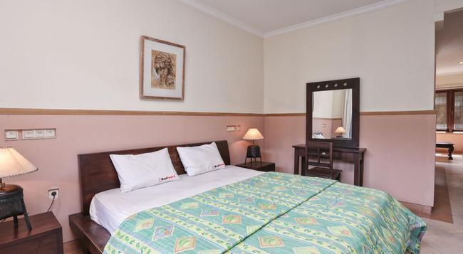 RedDoorz @ Batubelig - Denpasar - Bedroom