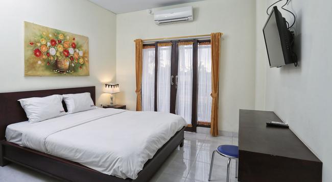 RedDoorz @ Benesari 2 - Denpasar - Bedroom