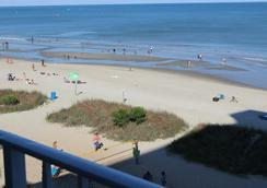 Blu Atlantic Oceanfront Hotel & Suites - Myrtle Beach - Pantai