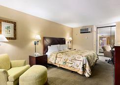 Days Inn And Suites San Diego Near Sea World - San Diego - Kamar Tidur
