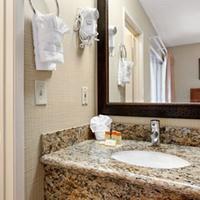 Days Inn And Suites San Diego Near Sea World Bathroom