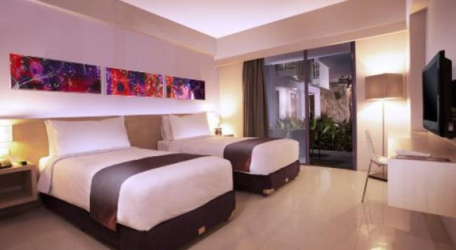Berry Hotel Bali - Kuta (Bali) - Bedroom
