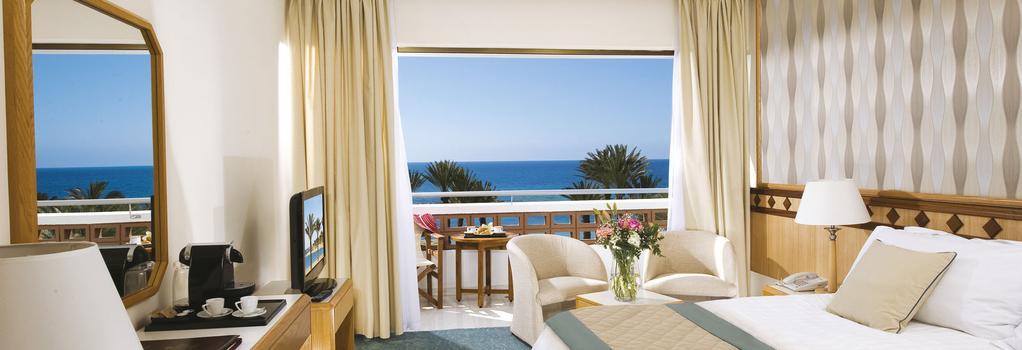 Constantinou Bros Pioneer Beach Hotel - Paphos - Bedroom