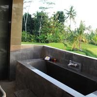 Villa Kemuning Bathroom