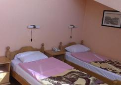 Hotel Ideal - Podgorica - Kamar Tidur