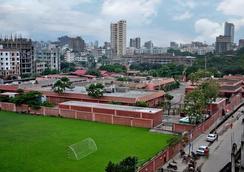Contemporary Heights Hotel and Apartments - Dhaka - Pemandangan luar