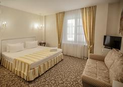 Villa Marina Hotel - Krasnodar - Kamar Tidur