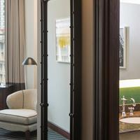 The Alise Chicago - A Staypineapple Hotel Guest room