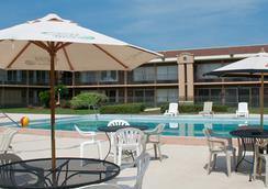 Monroe's on the Lake Hotel & Banquet Hall - Sanford - Kolam